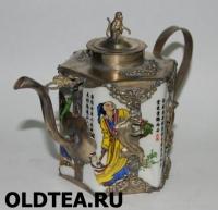Чайник с силуэтами барсов и бабочек
