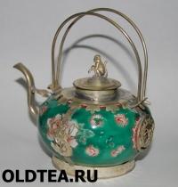 Фарфоровый чайник из поднебесной