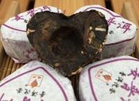 Шу пуэр в форме сердечек